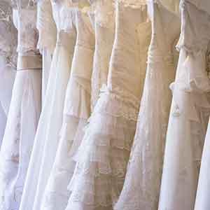 各種ウェディングドレス