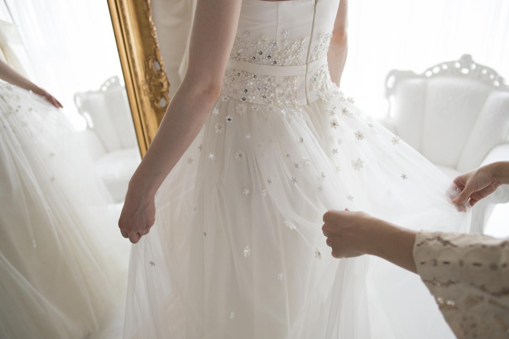 ウェディングドレスを子供ドレスに
